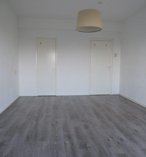 woonkamer achter